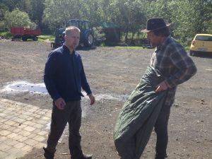 Skemma_Gústaf og Sævar pæla_21062016HGS (3)